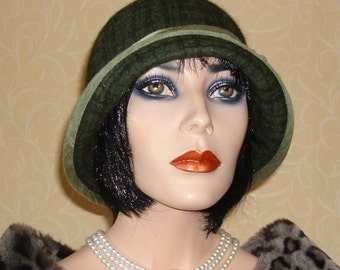 Checked green 20's style cloche hat.