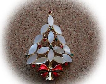 E48: Vintage Christmas Tree Pin