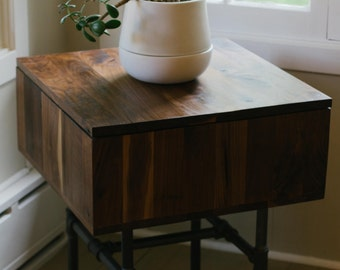 MURDOCK Storage Side Table