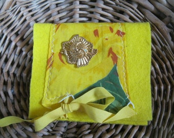 VINTAGE LiNEN KEEPSAKE POUCH in Yellow Card or Cash holder