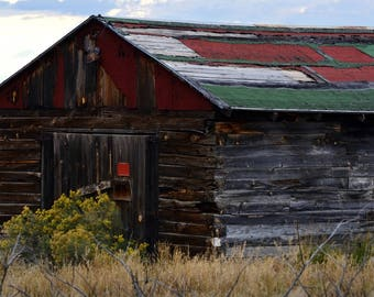 OLD PRAIRIE BARN Near Arroyo Hondo In Northern New Mexico.