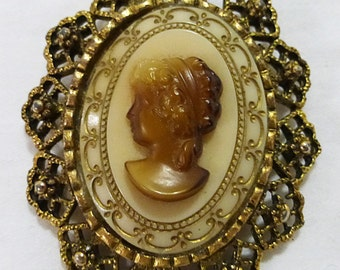 Vintage brown cameo brooch pin filigree frame