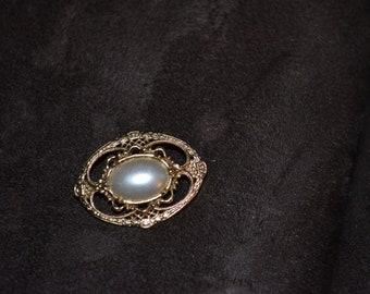 Vintage Pearl Brooch Pin/ Free Shipping