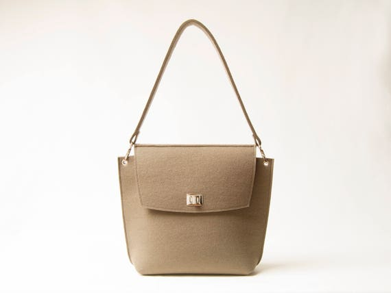 Wool Felt FLAP BAG / taupe tote bag / taupe bag / womens bag / felt shoulder bag / elegant bag / made in Italy