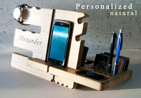 Wooden iPhone dock plans Wood usb charging station Diy wood