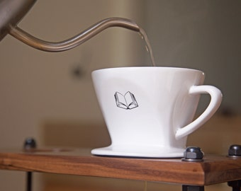 Pour Over Coffee Dripper (Lifestyle)