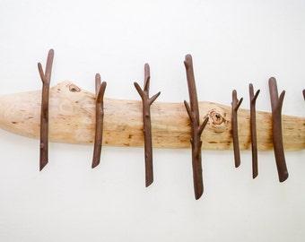 Wooden wall rack / Rustic coat hanger / Reclaimed wood coat rack / Peg rack / Clothes hooks / Entryway organizer