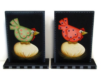 Primitive Chicken on Egg, Handpainted Wood, Hand Painted Prim Home Decor, Shelf Sitter, Tole Decorative Painting, B6