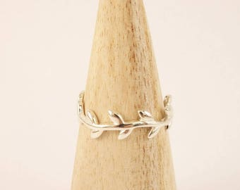 Fine sterling silver Laurel open ring