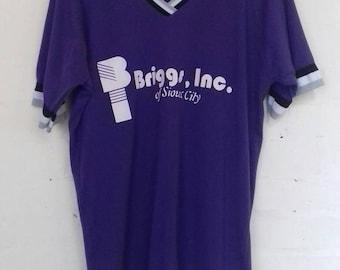 Purple vintage athletics/sports t shirt - medium