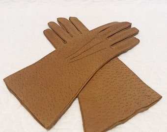 Vintage leather woman's driving gloves, camel, retro, chic, gloves size 6 1/2