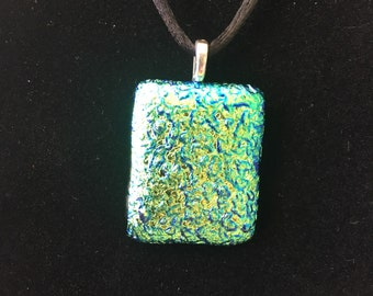 Green dichroic shine