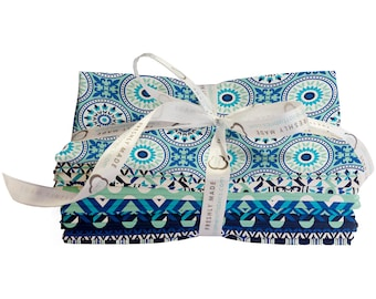 The Multi Blues Fabric 18 Fat Quarter Bundle From Camelot 562
