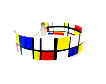 """Paper Bracelet - """"De Stijl"""" / handmade with recycled material / hand painted (1,5 x 17 cm) / Shipping to worldwide."""