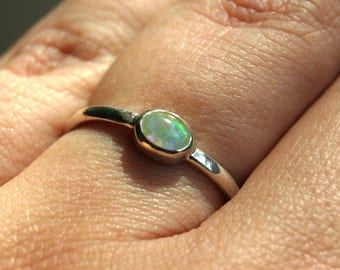 Opal Ring - Solitaire Ring w Etiopian Opal - Sterling Silver Ring in Your Size - Gemstone Ring - Welo Opal Ring