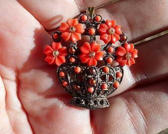 Vintage Small Coral Plastic Molded Flowers in Metal Basket Brooch Pendant.l . 50's.Light-weight, Cool, Fun, Hippie, Flower Child 29.90