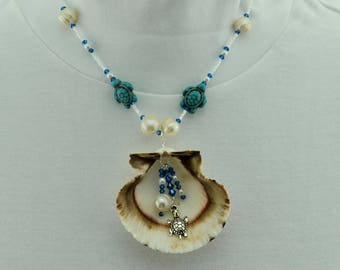 Seashell necklace with Pearls and Turtle