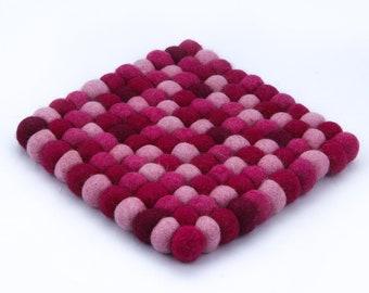 Coaster made of felt balls 15 x 15 cm or 20 x 20 cm Pink pink berry hand work pot coaster wool felt