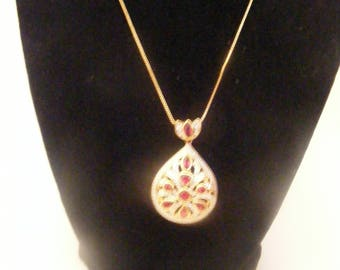 Various Vintage Unbranded Necklaces and Earrings   Buyers Choice