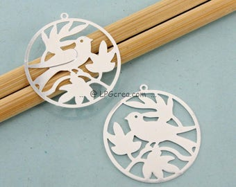 """2 prints """"Bird and leaves"""" - Silver - 30mm Diam # F16"""