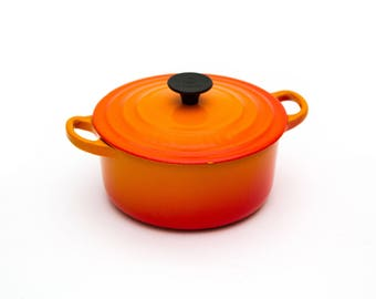 Le Creuset Enameled Cast Iron Orange 2QT B Dutch Oven