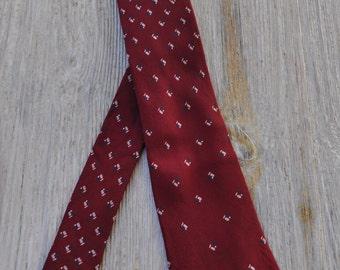 Cravate vintage bordeaux en soie 144x8