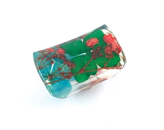 Extra Wide Resin Ring with Red Baby's Breath and Blue and Green Hydrangea Flowers. Statement Ring, Cocktail Ring, Knuckle Ring. Eco Resin.