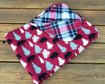Holiday Throw Blanket, Fleece and Flannel, Holiday Blanket, Bears and Trees, Holiday Quilt, Woodland Blanket, Lap throw, Christmas Blanket