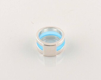 Size 8.5 Silver Tone And Translucent Blue Acrylic Wide Band Ring