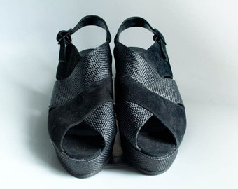 Vintage 80s Black Leather & Suede Platform Wedge Peep Toe Sandals Size 7