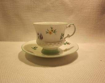 Elizabethan teacup and saucer, English bone china, floral teacup