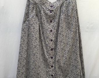 Size 16/18 Beautiful, cotton button through 80s floral skirt