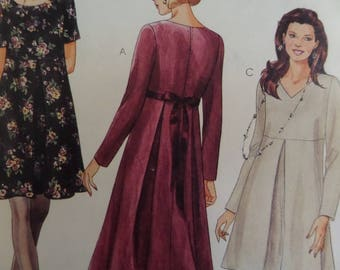 LOOSE DRESS Pattern • McCalls 7376 • Miss 10-14 • Pleated Dress • Scoop Neck Dress • Sewing Patterns • Womens Patterns • WhiletheCatNaps