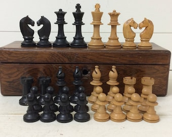 Vintage Chess Set~Boxwood~Complete in Old Box~Chess Pieces~Staunton~