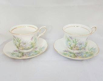 Vintage//Cambridge Garden fine Bone China England//Set//2 cups//golden edge//beautiful floral motif//pastel//High Tea