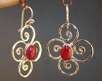 Hammered flower earrings Ruby, Victorian 190