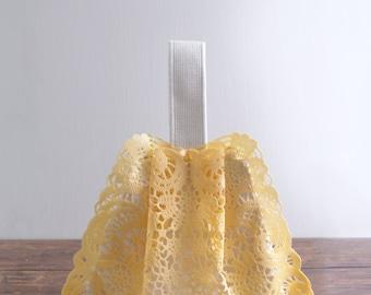 Sac à bandoulière Sally Green, 20 % de réduction en vente pastel jaune petit sac à main épaule sac de PVC, style80YC. Prêt à expédier