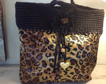 Beach Tote and black Trapilho and Panther tote bag