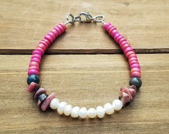 Freshwater Pearl and Shell Bracelet with Pink Beads