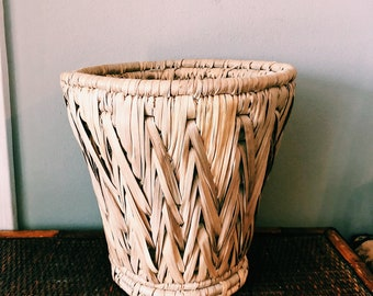 "Vintage 10"" Woven Braided Basket / Boho Rattan Plant Holder"
