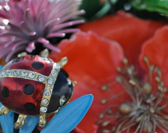 CUSTOM Vintage LADYBUG Accented Wedding Brooch Bouquet - to fit your style, budget & colors - plus lifetime guarantee