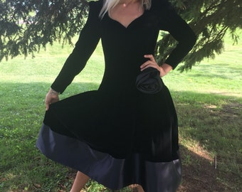vintage black velvet dress 90s 80s ball gown prom witch renaissance gothic prom size medium kylie jenner