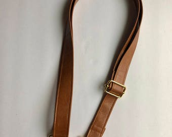 Add-on Crossbody faux leather caramel brown strap