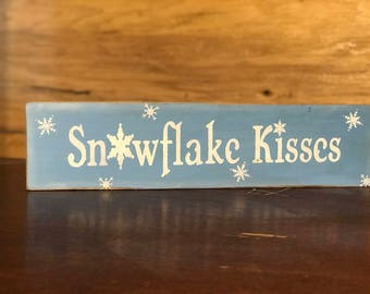 Snowflake Kisses Christmas Decor
