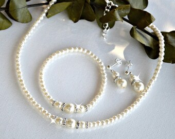 Pearl Bridal Set/ Necklace, Bracelet and Earrings/Wedding Jewelry/White Pearls/Ivory Pearls