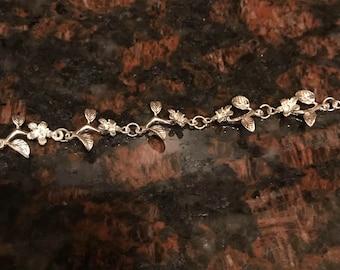 Flower Chain Link Bracelet