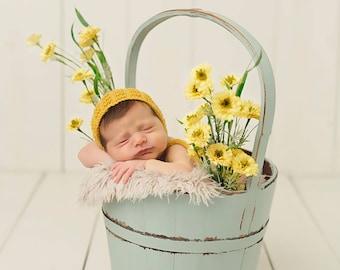Baby hand knitted bonnet in mustard yellow/merino hat for newborn/ knit textured hat/ photo prop