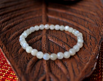 White MOONSTONE Bracelet, 6mm Faceted Gemstone Bracelet, Delicate Bracelet, Gift for her.