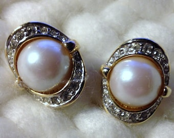 Vintage Clip On Earrings -Rhinestone and Pearls