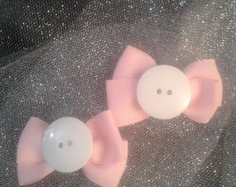 Small pink and white bows